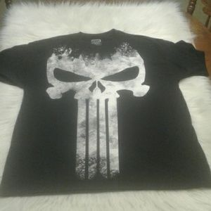 Men's XL T shirt skull $ 15.00 # 1198